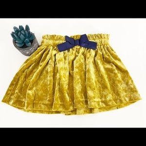 ❤️ 3/20 Osh Kosh Gold Velvet Skirt 2T